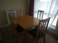 Ikea extendable dinind table and 4 chairs