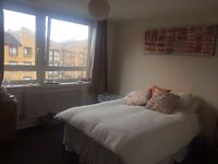 Spacious Double room to rent in Earlsfield from 23rd Oct