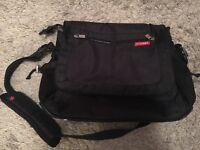 SkipHop Messenger bag