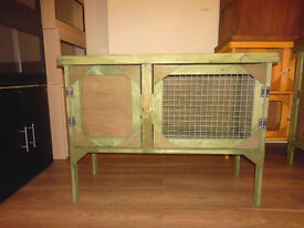 brand new 3ft rabbit /guinea pig hutch in forest green