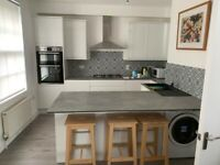 5 bedroom, Grade II listed House. Ideal for students/group of friends.Close to uni, town, station