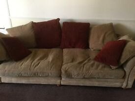 Large 3 seater settee with cushions