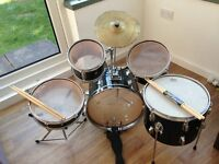 Fabulous kids 5 piece drum kit, hours of fun this summer- sorry sold