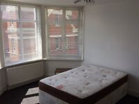 Lovely large double room ** Inclusive of bills and fortnightly cleaner ** Streatham