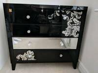 Chest of drawers made by Laurence Llewelyn-Bowen