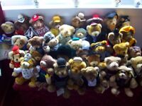 THE TEDDY BEAR COLLECTION 33 TEDDY BEARS AND MAGAZINES ALL IN VERY GOOD CONDITION ONLY £90