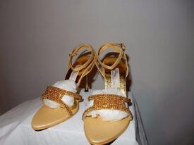 Woman's Ladies GOLD Diamond Heel strap Size 4