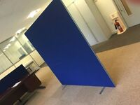 15 - FREE STANDING OFFICE SCREENS - 1800MM X 1800MM - IN BLUE - GOOD CONDITION