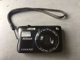 Nikon COOLPIX S3700 Compact Digital Camera (20.1 MP, 8x Optical Zoom) 2.7 inch LCD - Black
