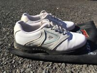 Ladies Dunlop Golf Shoes - Size 7: great condition, only worn twice