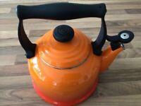 Le Creuset kettle volcanic 2.1l