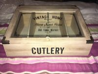 Home sweet home cutlery box