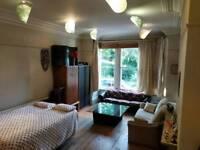 DOUBLE BEDROOM NEAR SEFTON PARK