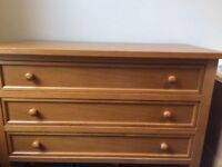 Chest of drawers - solid wood - elegant and sturdy design