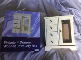 New vintage wooden jewellery box