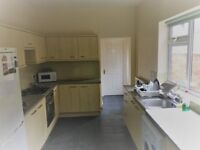 ***STUDENTS*** 5 BEDROOM / 3 BATHROOM HOUSE FOR 2018/2019 ACADEMIC YEAR****NO FEES !!!