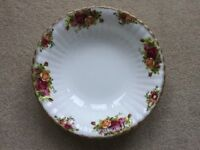 ROYAL ALBERT OLD COUNTRY ROSES CHINA FRUIT BOWL 9.5""