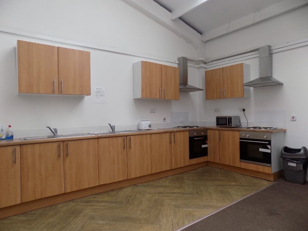 New Student Accommodation £450 All Bills Included - 5 Mins From Uni and Town Centre - Available Now