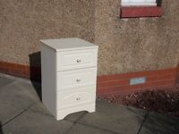 Off white 3 drawer bed side chest of drawers