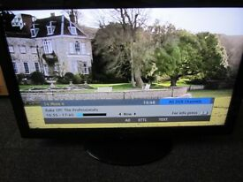 """TV LCD Panasonic 37"""" TX-L37S20BA , 3 HDMI ,SLOT FOR SD card ,freeview -full working"""
