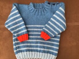 "Button neck jumper for 20 "" chest"