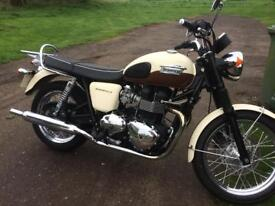 SOLD Triumph Bonneville T100 motorcycle