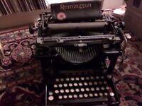 REMINGTON Typewriter - Vintage