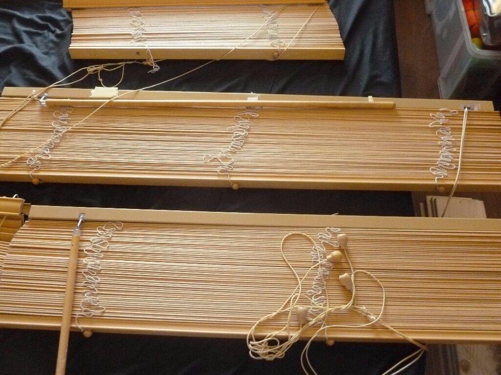 7 x wooden blinds