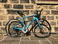 Giant Defy Advanced Disc Brake Carbon Road Bike