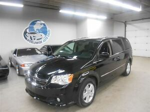 2015 Dodge Grand Caravan CREW SXT! 11,000KM! FINANCING AVAILABLE