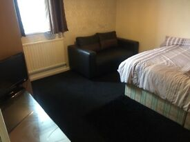ROOM RENT HARBORNE