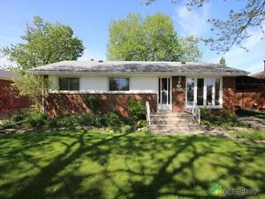 $219,000 - Bungalow for sale in Windsor