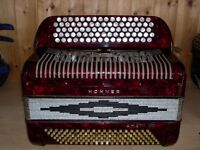 Hohner Amati VIII, 4 Voice, Musette Tuned, 5 Row, C System, 120 Bass, Chromatic Accordion