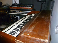 KEYBOARD PLAYER AVAILABLE. HAMMOND / RHODES / KEYS