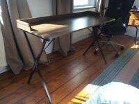 Walnut desk in Angel - 60 £