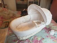 White moses basket and stand BRAND NEW