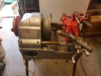 Piset pipe threader