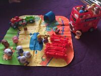 Happyland bus and farm