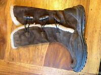 Winter boots size 5, almost new!!