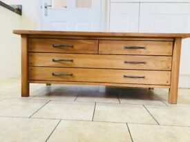 Laura Ashley Milton Oak 4 Drawer Coffee Table in Mint Condition - RRP £755