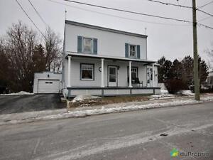 550 000$ - Maison 2 étages à vendre à St-Philippe