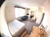 VERY NICE DOUBLE ROOMS TO RENT (All bills included) walking distance to Parsons Green Station***