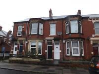 2 bedroom flat in Cartington Terrace, Heaton