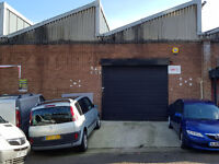 UNIT TO LET 1800 SQUARE FOOT - LUTON TOWN CENTRE - IDEAL GARAGE OR SHOWROOM