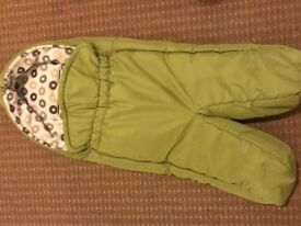 Green Stokke Xplory footmuff in excellent condition from a clean and smoke free home.