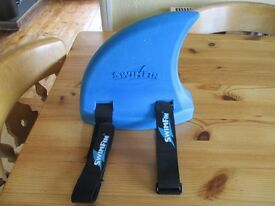 Swim fin blue and pink