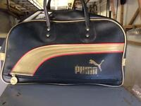 Retro style puma bag. Good used condition. Pick up only