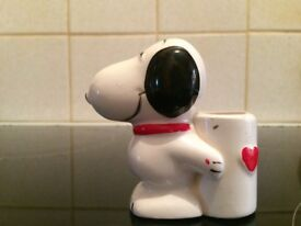 Snoopy pen holder 1952 to 1968