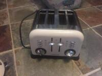 Morphy Richards 4 slice toaster - Cream/white