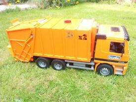Bruder 4143 Garbage Truck
